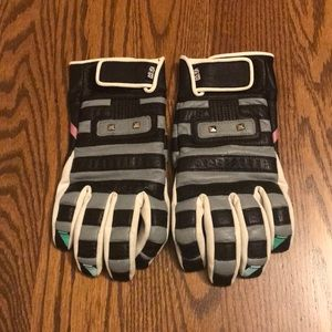Accessories - Leather Gloves with Striped Pattern